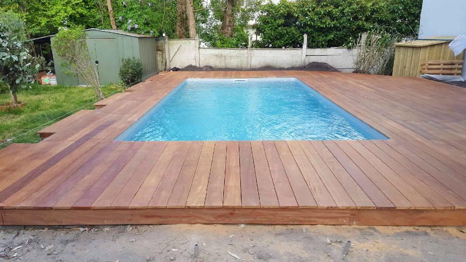 E2so concept r alisation d 39 une terrasse de piscine en cumaru - Terrasse teck piscine ...