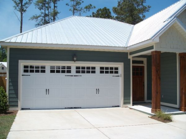 Garage doors that fit your style