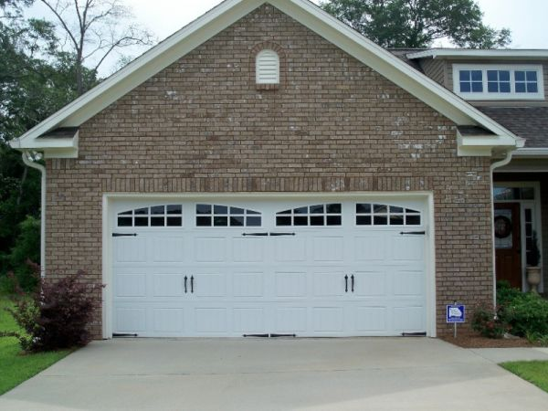 Garage doors - from functional to fashionable