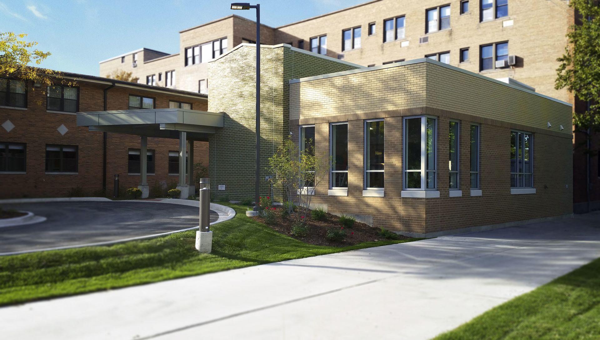 Bethesda Nursing Home Chicago Sunrise At Fox Hill