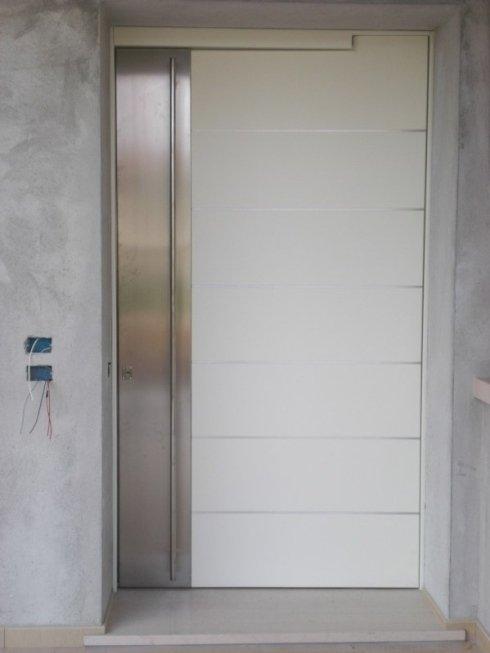porta in legno e acciaio