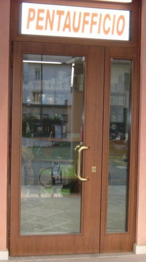 porte di ingresso per uffici