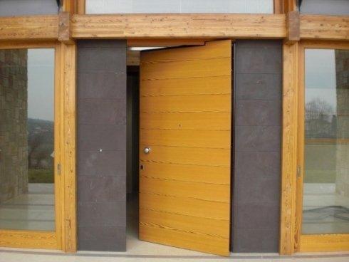 porta moderna in legno