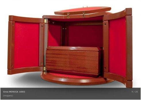urne classiche, urne in legno massello, urne in mogano