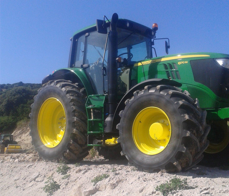 Macchine movimento terra in Sardegna
