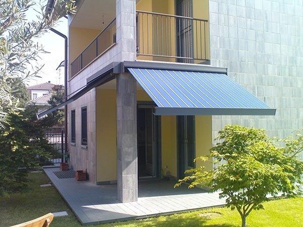 tenda solare per vetrate