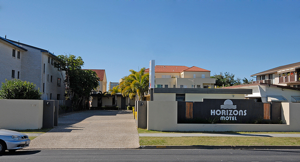 Horizons Motel Mermaid Beach Entrance