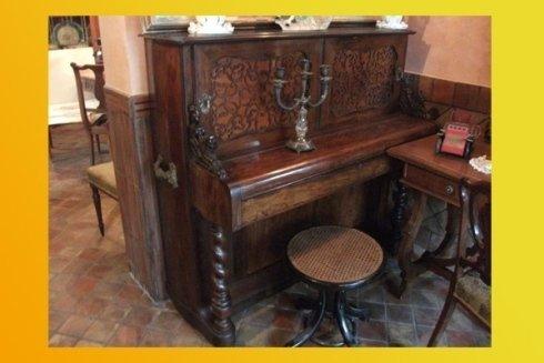 Antico pianoforte inglese