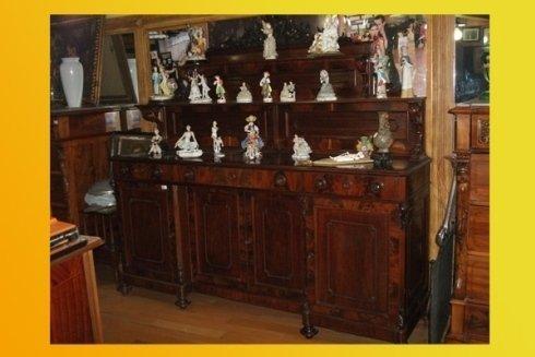 cassettiera  con statue da collezione antico