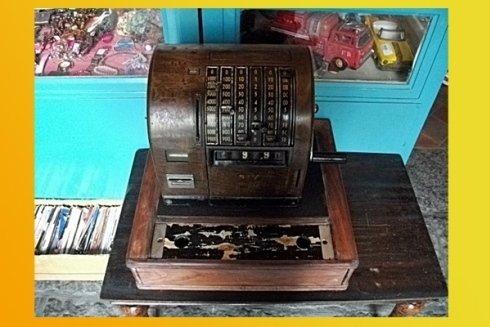 macchina da scrivere da collezione vintage