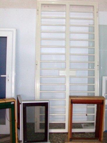 infissi in pvc, infissi con profilo in legno-alluminio
