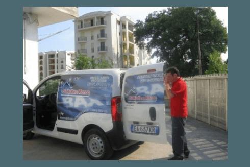 furgoncino per l'assistenza termoidraulica