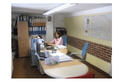 ufficio del punto vendita di assistenza caldaie
