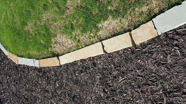 Granite Stone Edging : Creative landscaping ideas with natural stone borders