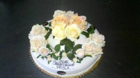 decorazioni con fiori per torte