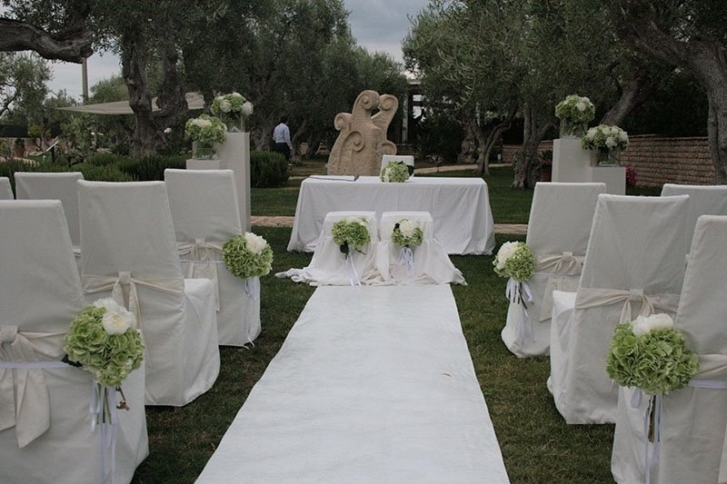 tappeto_bianco_con_altare