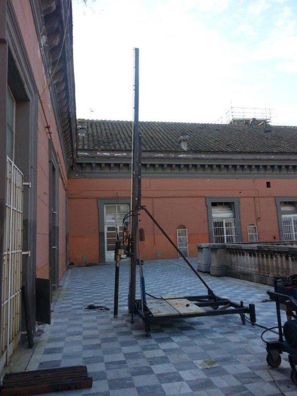 Realizzazione di cavedi tramite carotaggio verticali a secco a salvaguardia deigli affreschi interni fino a 6 m nel palazzo Reale di Napoli.