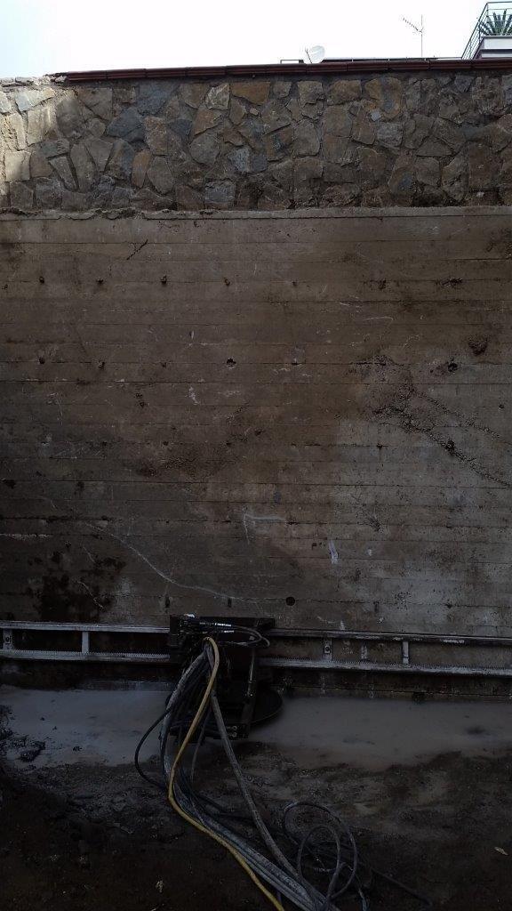 Taglio a disco diamantato realizzazione di un accesso all area (Cemento Armato)