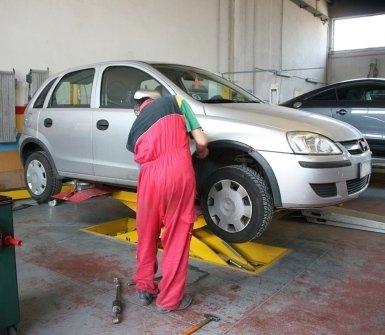 carrozziere, carrozzeria, riparazioni auto