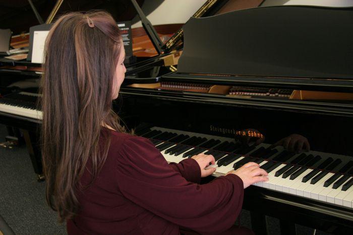 louisa beard playing piano