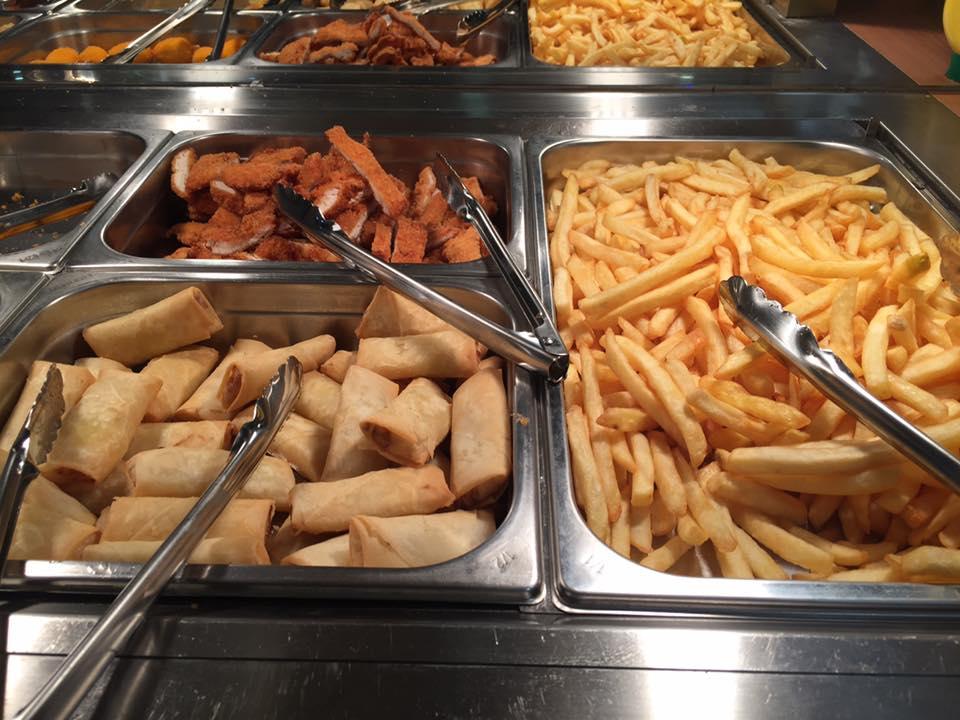 involtini promavera e patatine fritte