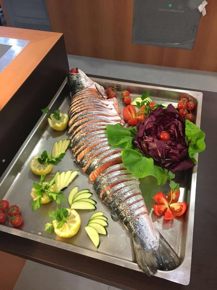 pesce crudo condito