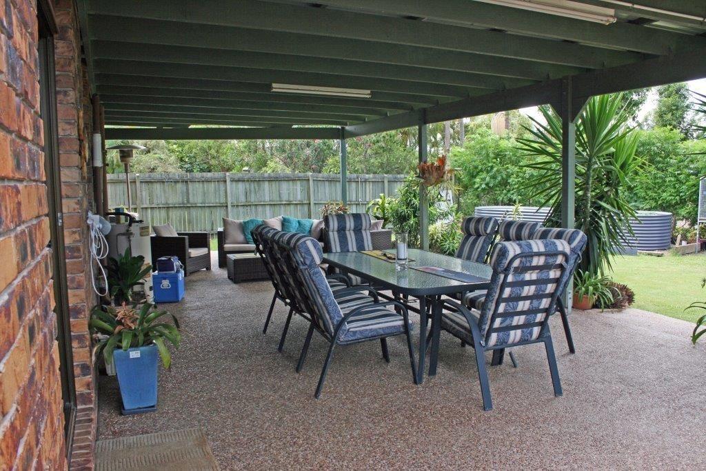 covered backyard patio
