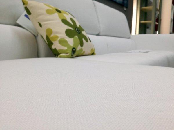 Divano Bianco in tessuto