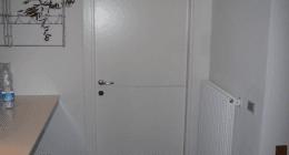 porta in legno bianco, porta blindate, installazione porte