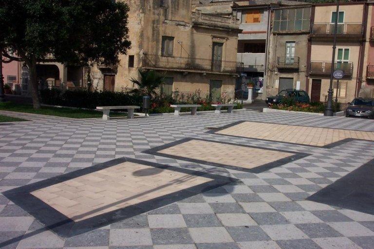 Piazza Borgo Motta SG