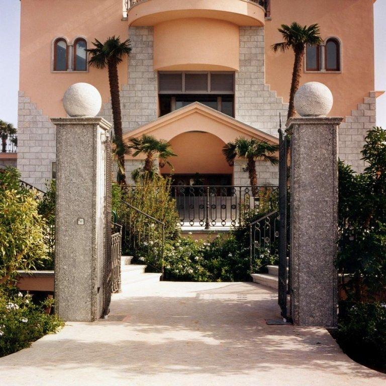 Colonne villa Afrodite Bovalino