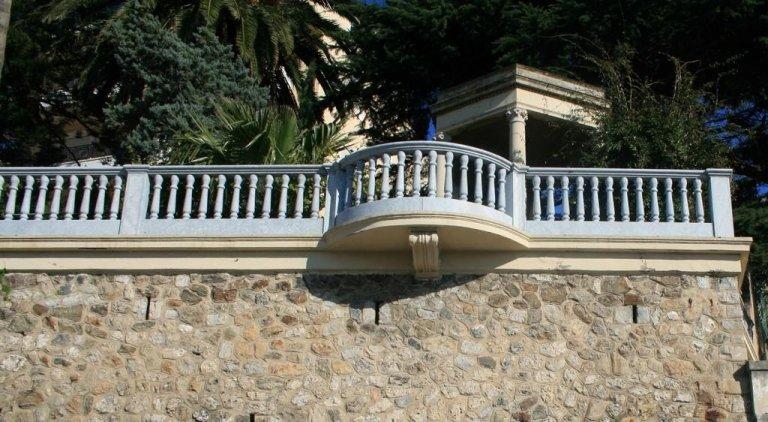 Balaustra a balconcino