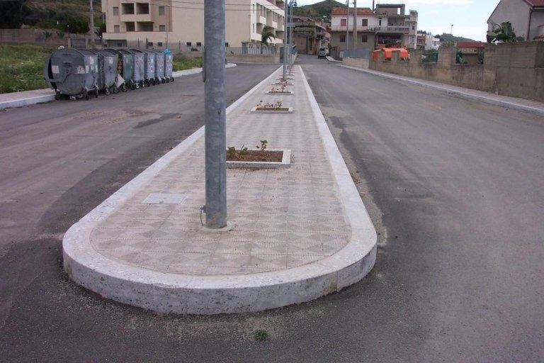 Cordolo per marciapiede