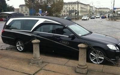 auto per trasporto salma