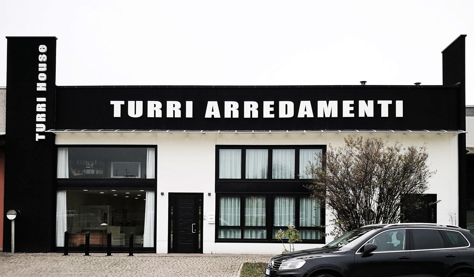 Arredi per negozi cesano maderno turri for Turri arredamenti