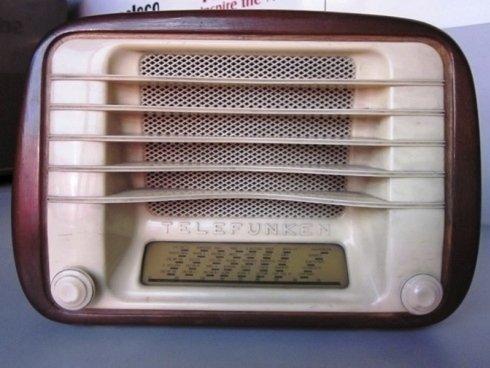 Vecchio apparecchio radio