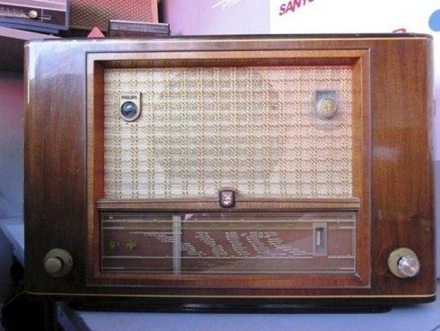Radio domestica antica
