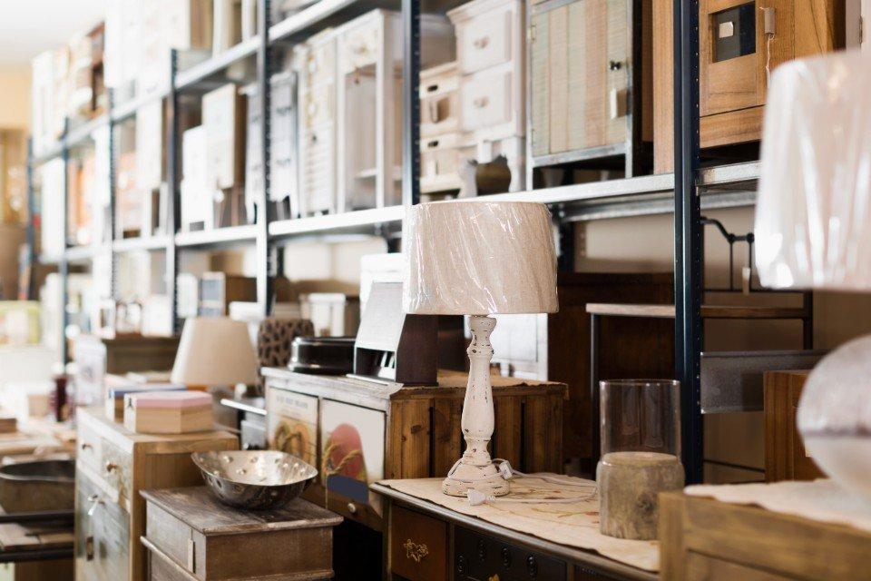 Arredi di seconda mano roma mercatino passato e presente - Mercatino dei mobili usati ...