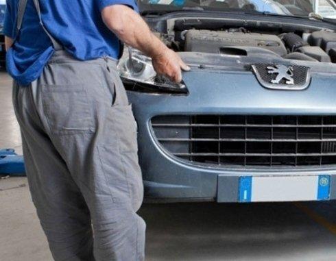 sostituzione componenti auto