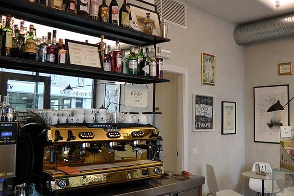 L' interno della nostra caffetteria Bullonificio a Monza