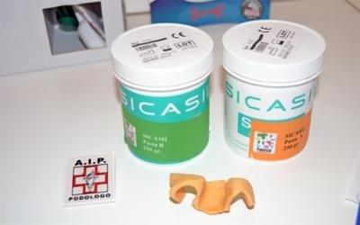 due confezioni di prodotti della marca Sicasi