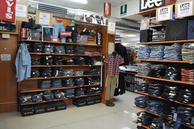 Abbigliamento classico da uomo  90175ab8143