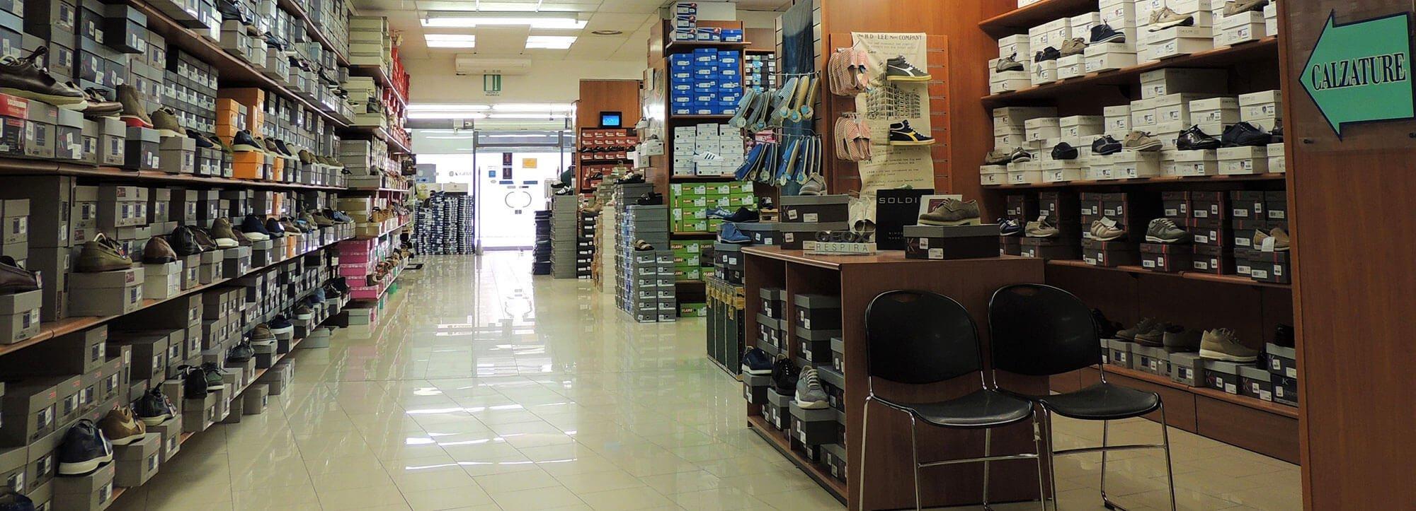 depositi riuniti interno negozio