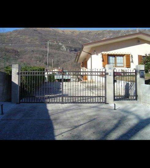 Cancello in ferro battuto, carpenteria metallica, lavori in ferro