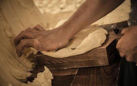 Lavorazione burro a mano piemonte