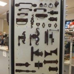 maniglie per porte, maniglie per finestre, maniglie antiche, cerniere per serramenti