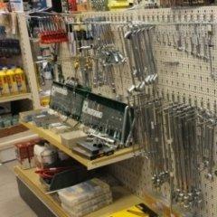 utensileria, utensili manuali, chiavi inglesi, cacciaviti