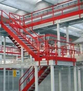 scale in ferro per officine e magazzini