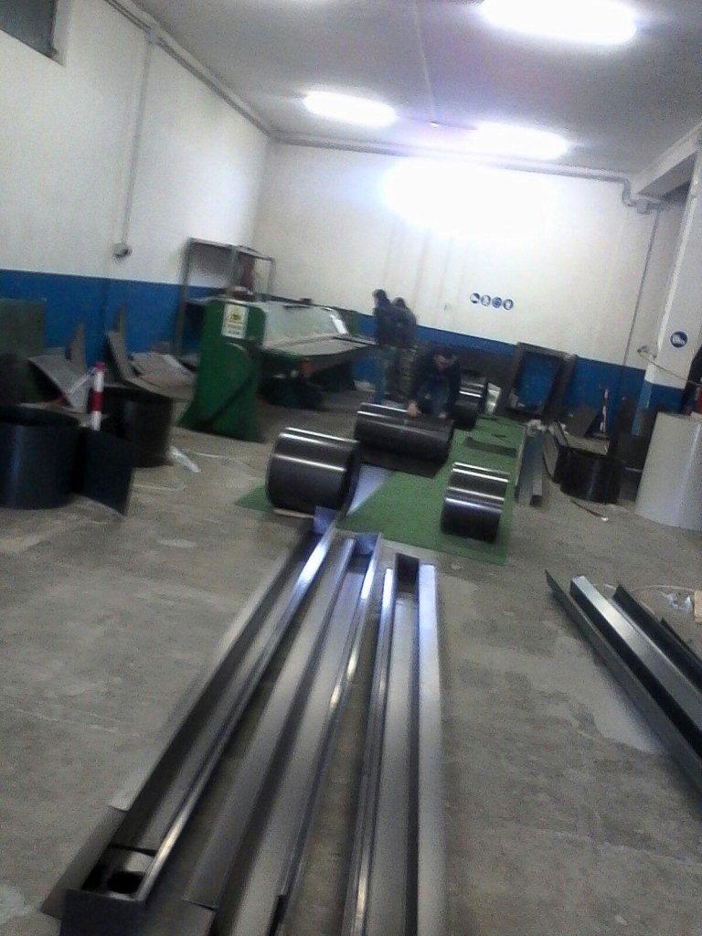 produzione di grondaie e tubi pluviali