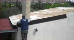 montaggio scossaline e pluviali in rame